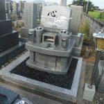 香川県坂出市の江尻町の墓地でインド石の墓石を建てました。