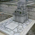 坂出市角山霊園にて庵治中目特級石の墓石を建墓させて頂きました。