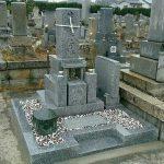 丸亀市営墓地にて庵治中目特級石で墓石を建てさせて頂きました。