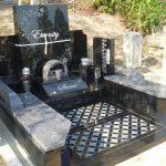 高松市仏生山町の法然寺にデザイン墓が完成いたしました。