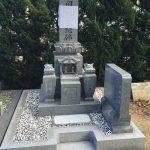 さぬき市の寺院墓地に庵治石細目の9寸和型墓石が完成しました。