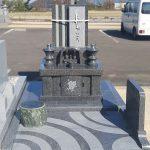 高松グリーンビュー霊園にデザイン墓石が完成しました。