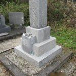 香川県さぬき市長尾の地域墓地で墓石のクリーニングを行いました。