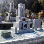 香川県まんのう町に庵治中目石の和型墓石が完成しました。
