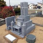 倉敷市の地域墓地に庵治細目石の和型墓石が完成しました。