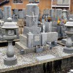坂出市でお墓の移設工事を行いました。傾斜の厳しい高台からお参りしやすい墓地へ。