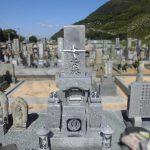 坂出市の地域墓地での建替え工事で、庵治中目特級石の和型墓石が完成。お地蔵様も合祀してお参りしやすい墓地になりました。
